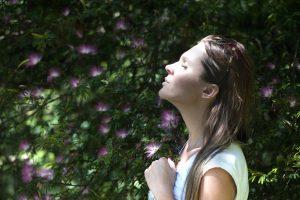Comment bien respirer pour diminuer ses douleurs lombaires